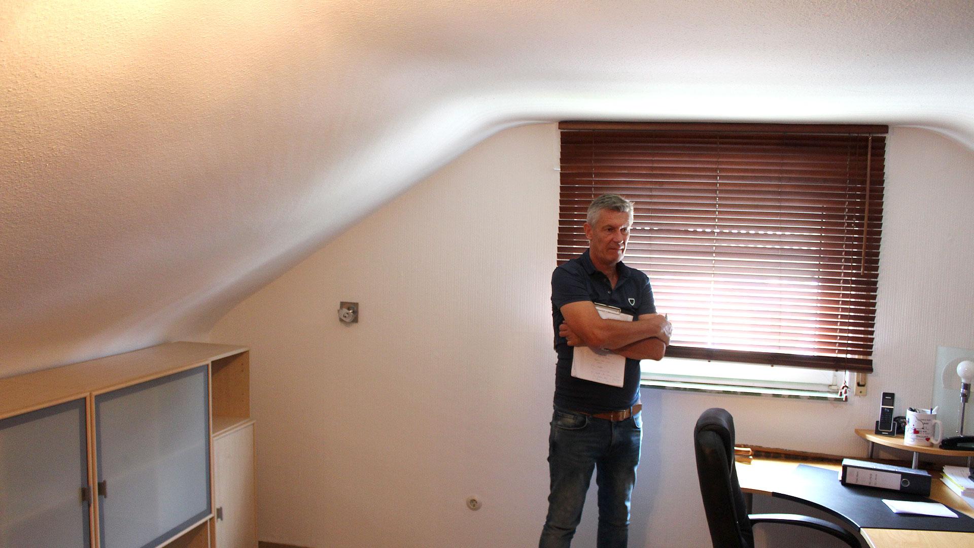 Sanierung und Dacherneuerung Zweifamilienhaus